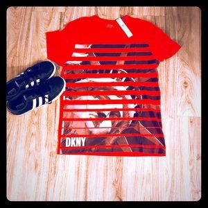 Men's Dkny Statue of Liberty graphic T-shirt.